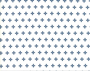 Orchard Apple Seed - White - 3/4 yard remnant piece - April Rosenthal Orchard for Moda Fabrics (24077 14) - Quilting fabric by the yard