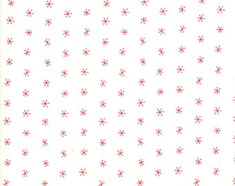 Gingiber Merriment Snowflakes - Snow & Berry (48275 21) for Moda Fabrics
