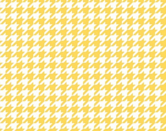 """Houndstooth in Yellow (C970-50) - 25"""" remnant - Yellow Houndstooth Fabric"""