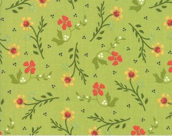 Walkabout Leaf Dandelion (37562-13) by Sherri and Chelsi for Moda Fabrics