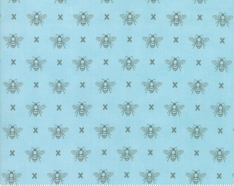 Garden Variety (5073 13)  Blue Sky Queen Bee by Lella Boutique