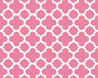 Quatrefoil in Hot Pink (C435-70) - Fat Quarter