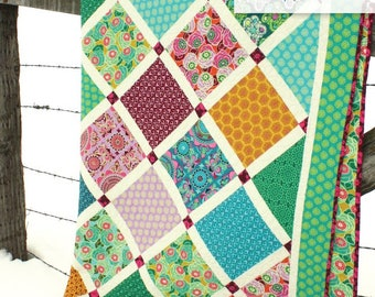 Lattice Quilt Pattern by Amy Smart Diaryofaquilter.com for Throw, Twin, Queen and King Sizes
