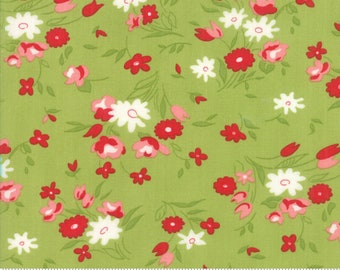 Little Snippets Green Fresh Cut Floral by Bonnie & Camille for Moda Fabrics (55182 14)