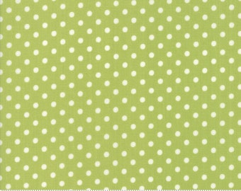 Little Snippets Green Dot by Bonnie & Camille for Moda Fabrics (55185 14)