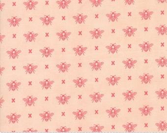Garden Variety (5073 15)  Blossom Queen Bee by Lella Boutique
