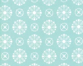 Vintage Holiday (55166 12) Aqua Snowflakes Bonnie & Camille