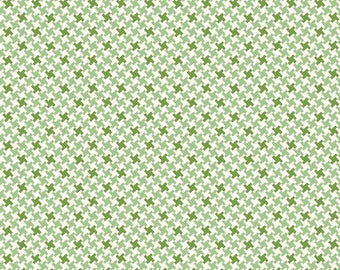 Farm Girl Vintage Houndstooth Green by Lori Holt (Bee in My Bonnet) (C7882-GREEN)