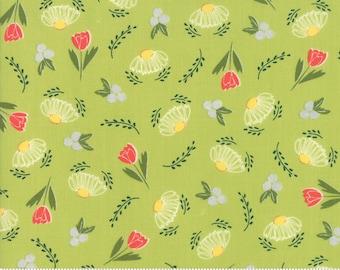 "Clover Hollow (37551 14) Leaf Green Flower Daze by Sherri and Chelsi - 15"" remnant"