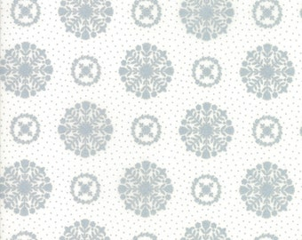 Vintage Holiday SALE (55166 18M) Metallic Silver Snowflakes Bonnie & Camille - 1 yard piece - Christmas Fabric