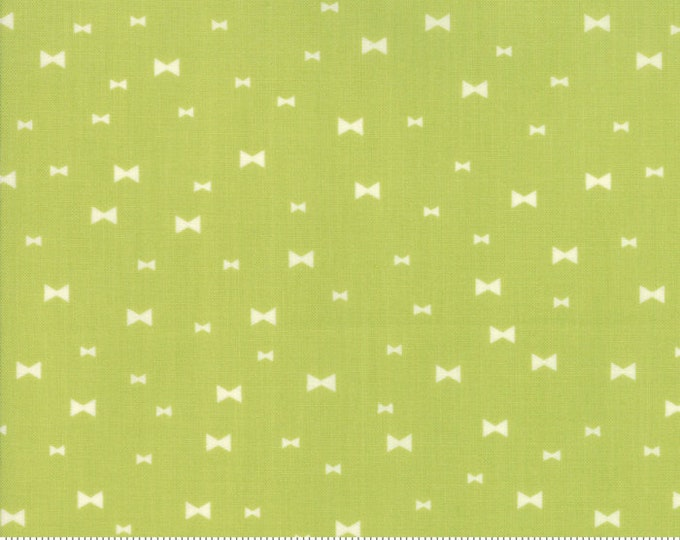 Clover Hollow (37554 16) Leaf Green Fancy by Sherri and Chelsi