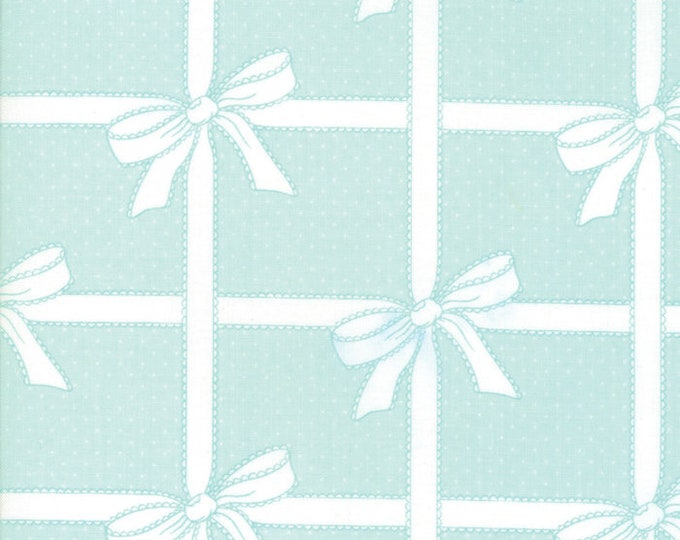 Vintage Holiday (55165 13) Aqua Wrapped Up Bonnie & Camille