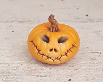1:12 th scale Halloween pumpkin with face