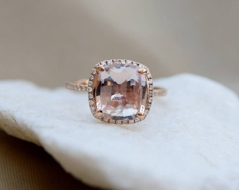 Sapphire engagement Ring. 14k Rose Gold ring. Engagement Ring. 3.5ct Square Cushion Ice Peach sapphire ring by Eidelprecious.