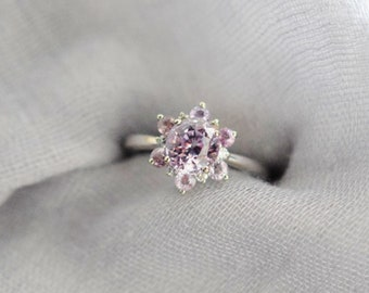 Mauve Snowflake Engagement Ring. Sapphire ring. Round Mauve sapphire ring Diamond ring White gold ring engagement ring by Eidelprecious