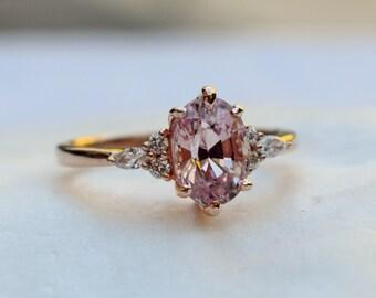 Peach Sapphire engagement ring - la Camparsita-  Rose gold engagement ring. Peach sapphire ring. Oval ring Sapphire by Eidelprecious