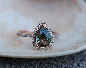 Pear Engagement Rings