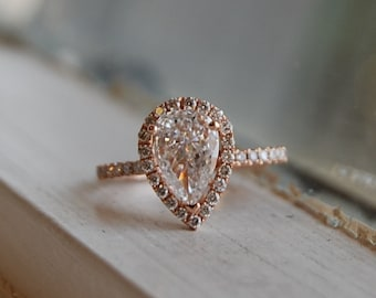 Rose Gold Engagement Ring. Pear Engagement Ring. Rose gold Pear Diamond Ring Pear Cut Diamond Ring. 1ct White D/VS1 Diamond Ring.