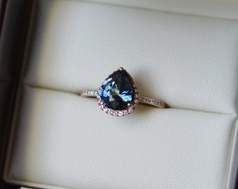 Teal sapphire ring. Rose Gold Engagement Ring. Peacock Blue Green Sapphire ring. 2.5ct pear cut sapphire ring. 14k rose gold ring