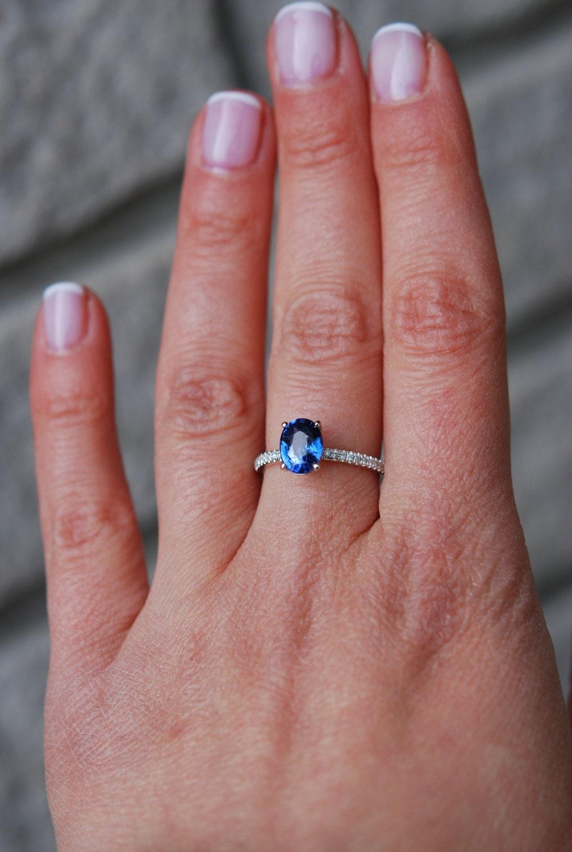Blue sapphire ring. 2.28ct Cornflower blue sapphire ring diamond ...
