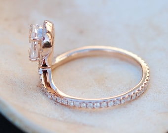 Rose gold ring Pear Sapphire COBRA ring 1ct white sapphire diamond ring 14k rose gold full eternity. Engagement ring by Eidelprecious