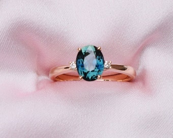 Parti sapphire ring. Engagement Ring. Rose gold engagement ring. Peacock Sapphire ring three stone ring by Eidelprecious