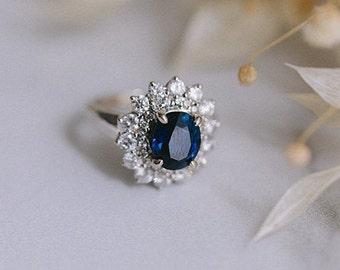 2.8ct royal blue Sapphire Engagement Ring. Blue sapphire 18k White Gold Diamond ring Oval Sapphire Ring by Eidelprecious