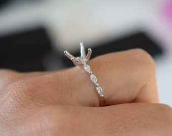 Godivah setting for your engagement ring. Semi-mount ring. Custom order. Make your own engagement ring.