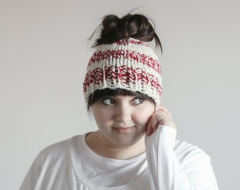 Messy Bun Hat, Chunky Ponytail Hat, Peppermint Red White, Knit Bun Hat, Knit Ponytail Hat, Messy Bun Beanie, Topknot Hat, Ponytail Beanie