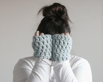 Glacier Blue Fingerless Gloves, Fingerless Gloves Women, Fingerless Crochet Gloves, Crochet Handwarmers, Handmade Gloves in Blue