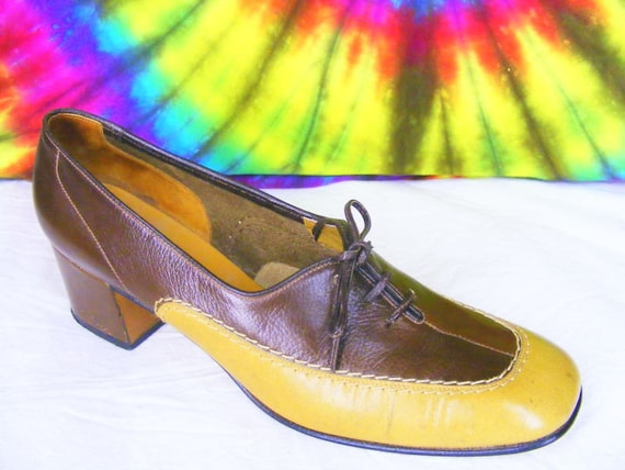 6.5 7 vintage 60's 70's two tone oxfords AMALFI by RANGONI heels pumps brown and tan leather shoes