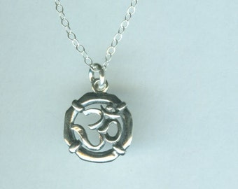 Sterling OHM Charm