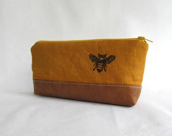 PENCIL POUCH //  Honey Bee Pencil Pouch // Bee //  Linen and Faux Leather Pouch // Linen Pencil Pouch