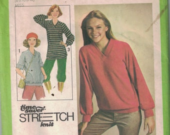 1970s Vintage Sewing Pattern Simplicity 8618 Misses King Pullover Top in Two Lengths Size 8-12 1978 - CUT Size 12