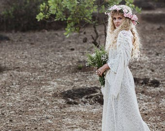 Long Sleeve Gypsy Wedding Dresses