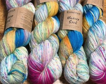 Araucania Huasco Sock Yarn Hand Painted Superwash Wool Polyamide Super Fine Fingering Weight Yarn #1006 Guacamayo 433 yards