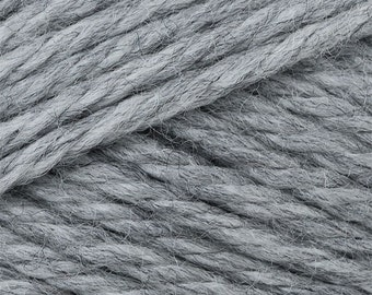 Silver Heather Cascade Pacific Merino Wool and Acrylic Yarn 100 grams 213 yards color 61