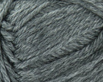 Charcoal Heather Cascade Pacific Merino Wool and Acrylic Yarn 213 yards color 62