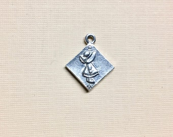 Quilt Block Silver Plated Charm Pendant Sunbonnet Sue Quilting Block 17mm x 20mm Made in the USA One charm