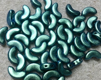 Arcos Par Puca Metallic Matte Green Turquoise Three Hole Crescent Czech Pressed Glass 5mm x 10mm 11 grams Approx 50 beads
