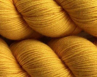 Gold Fusion Cascade Heritage Yarn 437 yards Super Fine Wool Nylon Sock Yarn Color 5723