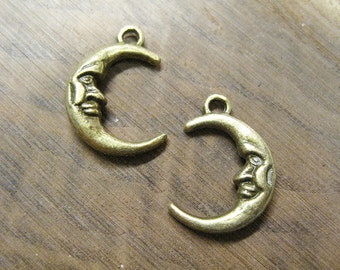 10 Man in the Moon Crescent Moon Antique Bronze Celestial Charms 22mm x 16mm C173