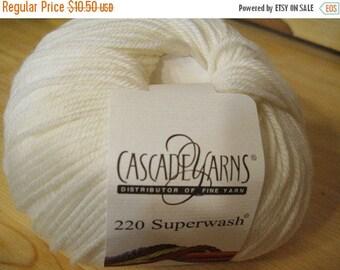Clearance White Cascade 220 Superwash Yarn 220 yards 100% SuperWash Wool color 871