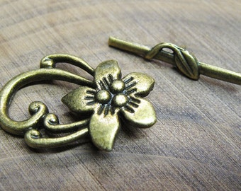 Clearance 8 Antique Bronze Tone Elaborate Flower Toggle Clasps 25mm x 29mm F296