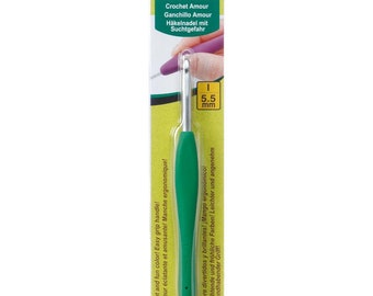 Clover Amour Aluminum Crochet Hook with Rubber Easy Comfort Handle Size I Hook 5.5mm