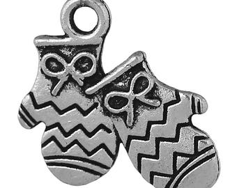 10 Mitten Charms Antique Silver Double Sided Mitten Glove Charms 17mm x 16mm F517