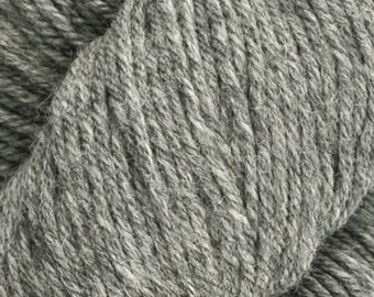Graphite Mirasol Huni 219 yards Worsted Weight 100 grams 100% Fine Peruvian Highland Wool color 1002