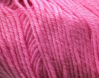 Clearance Cotton Candy Pink Cascade 220 Superwash Yarn 220 yards 100% SuperWash Wool color 901