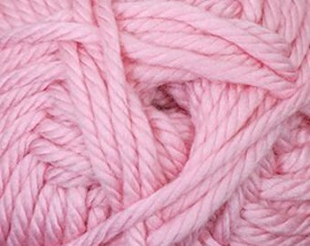 Cherub Super Bulky Incredibly Soft Cotton Candy Pink Cascade Yarn 131 yards Acrylic Nylon Blend Color 32