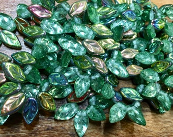 25 Green Vitrail Czech Pressed Glass Leaf Beads 10mm x 5mm Leaves 25 beads